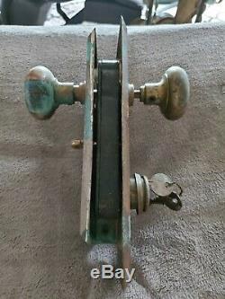 ANTIQUE BRASS ENTRY DOOR KNOB SET BACK PLATES MORTISE LOCK VTG YALE LOCK With2 KEY