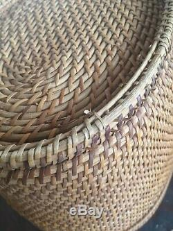 Antique Chinese Wicker Basket For Tea Set Circa 1905 Brass Hinges Fish Closure