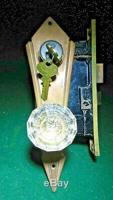 PENN #9300 ART DECO BRASS ENTRY MORTISE LOCK SET withKEYS 7 3/4 FACEPLATE (10701)